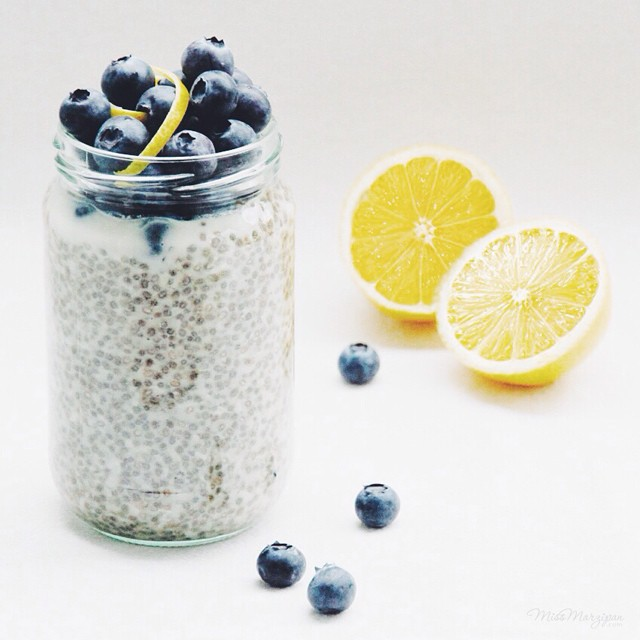 MissMarzipan_green_tea_chia_blueberries_lemon2